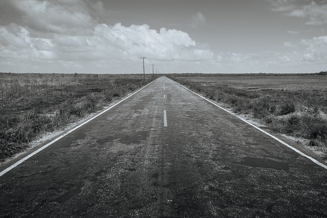 road-984118_640